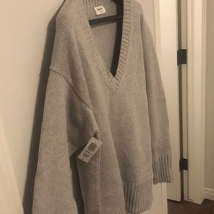 Aritzia Talula Sweater